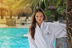 Miss Austria Julia Furdea in unserer Karibik Lagune Strand, Chef Jackets, Coat, Fashion, Caribbean, Joie De Vivre, Moda, Sewing Coat, Fashion Styles