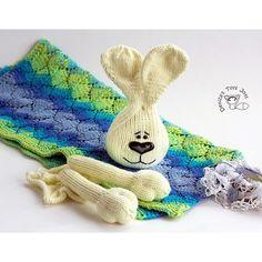 denizastoysjoys:: Work in the progress... Bunny Toy Baby Blanket. Çalışma anları. Bebek battaniyesi geliyor  8))) РабочИЕ моменты... Совсем скоро детское одеялко будет готово. #длядетей #bunny #rabbit #denizastoys #denizastoysjoys #babyblanket #knittoy #knitting #knittedtoy #knittinglove #knittingaddict #knittingpattern #tatyanakorobkova #knittedtoys #amigurumi #amigurumipattern #weamiguru #gurumigram #crochet #crochetaddict #ravelry #etsyseller #tavşan #örgü #örgüoyuncak #elişi #elyapımı…