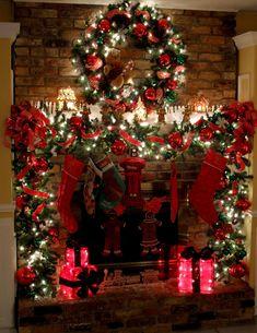 35 beautiful xmas fireplace decor ideas #christmaslightdecorations