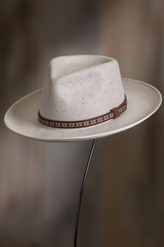 Image Bowler Hat, Fedora Hat, Brim Hat, Mens Fashion Wear, Fashion Hats, Mens Dress Hats, Adventure Hat, Classic Hats, Western Hats