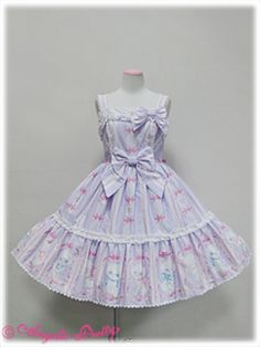 I want this dress so bad. Vanilla Chan~