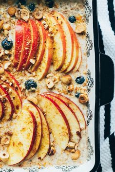 oven-baked oatmeal with apples & blueberries.