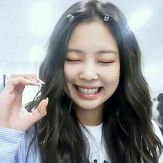 Blackpink Fashion, Kpop Fashion Outfits, Kim Jennie, My Girl, Cool Girl, Taehyung, Korean Best Friends, Lisa Blackpink Wallpaper, Pretty Asian