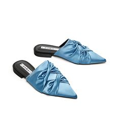 Sold Zara satin mules in sky blue size 36 Trendy Shoes, Casual Shoes, Mule Plate, Zara Flats, Ballerina Shoes, Womens Slippers, Shoe Collection, Mules Shoes, Flats
