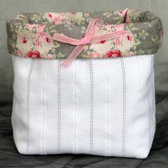 Vide poche fait main  en tissu coton blanc et tissu tilda bouquets de roses style shabby chic @la-malle-en-osier