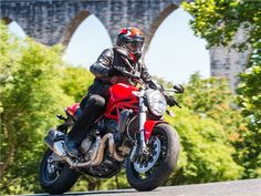 Teste+Ducati+Monster+821+-+Carga+de+água