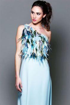 99b813eb1 Vestido Asimétrico Azul largo Plumas Phoenix