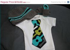 You choose color/set! This set includes matching tie onesie, loafers and hat. This is the perfect set for your babys first photo shoot! The