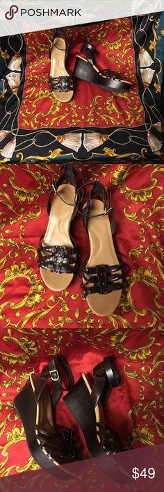 NWOT UGG Brown platform ankle strap wedge sandal 392f358972815