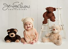 Aurie is 6 months Newborn Photography Tips, Photography Mini Sessions, Newborn Baby Photography, Children Photography, 6 Month Baby Picture Ideas Boy, Baby Boy Pictures, Baby Girl Photos, Newborn Bebe, Boy Photo Shoot