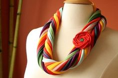 T-shirt yarn jewelry with fabric flowers | T-shirtyarn Blog.com