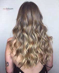 Glowing hair :: RedBloom Salon Hair Painting, Amanda, Salons, Glow, Hair Color, Stylists, Long Hair Styles, Instagram Posts, Beauty