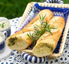 Hot Dog Buns, Hot Dogs, Fresh Rolls, Baguette, Bread, Ethnic Recipes, Food, House, Essen