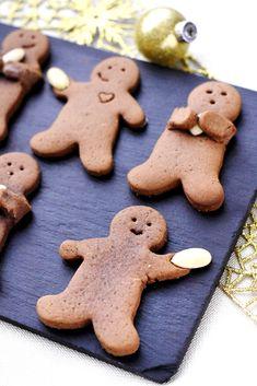 Gingerbread Christmas Cookies (biscuits en pain d'épices de Noël) /// #ElleHabiteLa #Marmiton #Aufeminin #Noël #recette #desserts #biscuits