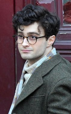 WHOA! Way to go DRad! Daniel Radcliffe in Kill Your Darlings.... OMG.