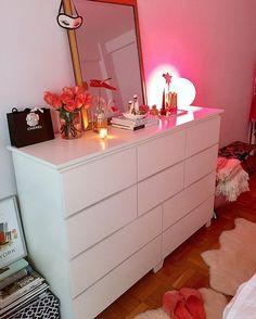 Bedroom storage, vanity • Instagram photo by @tbr_nyclifestyle • 21 likes