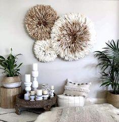 Découvrez notre collection de juju hat disponible sur le shop Arwall and Co Diy Wall Decor, Diy Bedroom Decor, Diy Home Decor, Deco Boheme Chic, Bali Decor, Feather Wall Art, Feather Hat, Balinese Decor, Juju Hat