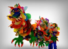 Collaborative Dragon with paper plates. Art Club is sooo gonna do this!!!!!