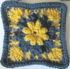 Pinwheel & Pop-Corn Flower sq  ~ free pattern ᛡ