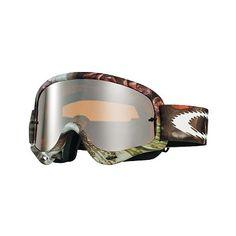 MX Oakley O Frame Seedy Sleeved MX O Frame® è il best seller dell'azienda californiana: la maschera più venduta nella storia di Oakley, semplicemente perfetta, adatta a qualsiasi tipo di viso. Nata nel 1998, grazie al suo design rimane sempre attuale.