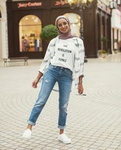Boyfriend jeans with hijab-Modern and fashionable hijab outfits – Just Trendy Girls