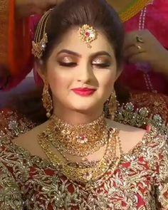 Pakistani Bride Hairstyle, Pakistani Bridal Makeup, Indian Wedding Makeup, Indian Wedding Hairstyles, Pakistani Makeup Looks, Indian Eye Makeup, Arabic Makeup, Bridal Hairstyles, Wedding Beauty