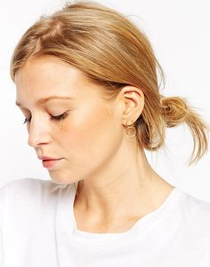 Today's top pick are these minimal round earrings! So clean and simple. See them here: http://asos.do/82ttOV