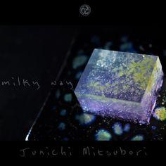 "#JunichiMitsubori #wagashi #kadou #Sweets #Artist #Japanese #Confectionery #works #instaphoto #お菓子 #うつわ #器 #練切 #ねりきり #一日一菓 「 #菓道 #天の川 」 #吉野羹 製 wagashi of the day "" #MilkyWay "" #和菓子 #一菓流 #三代目 #七夕"