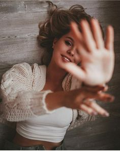 aperture iso what is iso shutter speed aperture … Creative Portrait Photography, Self Portrait Photography, Portrait Photography Poses, Fashion Photography Poses, Teenage Girl Photography, Indoor Photography, Photography Women, Lifestyle Photography, Best Photo Poses