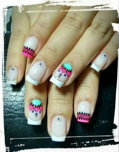 Opting for bright colours or intricate nail art isn't a must anymore. This year, nude nail designs are becoming a trend. Here are some nude nail designs. Spring Nail Art, Spring Nails, Summer Nails, Love Nails, Pretty Nails, Mandala Nails, Magic Nails, Manicure E Pedicure, French Tip Nails