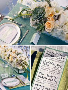 I love the subway sign inspired menu #wedding #dinnermenu
