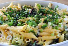 ChocoLanas matblogg: Lakseform med pasta, broccoli og hvit saus Pasta Salad, Potato Salad, Macaroni And Cheese, Potatoes, Pizza, Ethnic Recipes, Food, Crab Pasta Salad, Potato