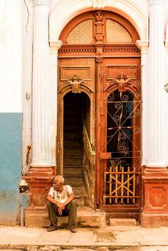 Killing time . Cuba Unique Doors, Havana Cuba, Italy Travel, The Past, Wanderlust, Windows, Life, Havana, Tourism