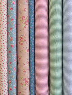 Soft pretty florals, in a range of base cloths. Japanese Fabric, Seersucker, Art Studios, Textile Art, Cloths, Florals, Lawn, Applique, Fabrics