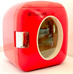 Uber Appliance UB-XL1 Personal mini fridge for bedroom, office or dorm Uber Chill XL retro 12 can 9L