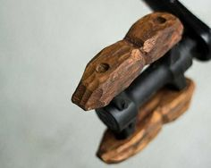 Pedale in legno. carved wooden pedals - La mia bicicletta di legno - Wooden bike - Www.it Wooden Bicycle, Push Bikes, Fixed Bike, Bicycle Parts, Bike Design, Tricycle, Carving, Bicycling, Biker