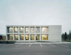 Photos and Videos 1 of 11 from project Administrative and Social Building Karl Köhler German Architecture, Modern Architecture Design, Architecture Office, Amazing Architecture, Big Building, White Building, Building Facade, Open Office Design, Hospital Architecture