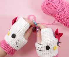 This glove pattern is very basic and in this video i show how i customize it to Hello Kitty gloves, Rilakkuma gloves and Mickey Mouse gloves. If you don't know how to crochet - don't worry, this tutorial is very easy and great for beginners. Diy Crochet Gloves, Crochet Gloves Pattern, Crochet Boots, Mittens Pattern, Cute Crochet, Crochet For Kids, Easy Crochet, Beginner Crochet Tutorial, Crochet Patterns For Beginners