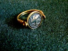 Stunning Athena Goddess signet ring. It is made completely out of 14k gold (aka gold 585 each piece is stamped)... ------> If you do not know,