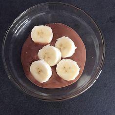 Merenda salutare  dessert alla soia gusto cioccolato con banana  #bellezzaprecaria #merenda #smoothchocolate #merendasana #merendasalutare #soia #banana #alpro #alprosoya #soyadessert #snack #healthyfood #healthysnack #soy #soysnack #soydessert #merendando