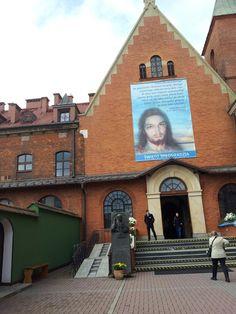 Ingresso chiesa Suor Faustina - Polonia