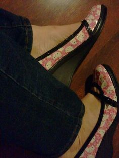 Freshen up an old pair of shoes with Duck Tape from Michaels -- Hello Kitty!