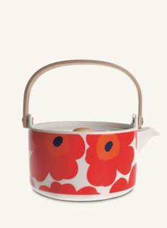 Marimekko Unikko Red Teapot - Crate and Barrel Finland Marimekko, Red Teapot, Poppy Pattern, Kitchenware, Tableware, Kartell, Kitchen Trends, Japanese Design, Elle Decor