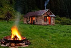 dunton hot springs cabin resort well house Luxury Resort Uses Cabins for Guests to Stay Secluded Cabin Rentals, Luxury Cabin, Cabin In The Woods, Little Cabin, Log Cabin Homes, Log Cabins, Mountain Cabins, Rustic Cabins, Mountain Resort