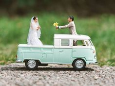 Stop What You're Doing and Look at These Miniaturized Wedding Photos -