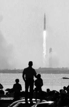 Apollo 11 launch at Cape Canaveral / Ralph Crane