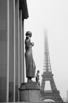 #Black and #White picture of the #EiffelTower    Photo: (c) mohamedkhalil.tumblr.com  Great artist, click  the link to have a look at his pictures :)  Planning a trip to Paris? Book a #room  at Cadran #Hotel www.cadran-hotel-gourmand.com