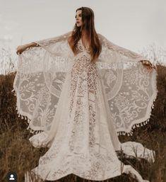 Boho Bride, Boho Wedding Dress, Wedding Gowns, Lace Wedding, Moda Boho, Travel Dress, Estilo Boho, Boho Fashion, Beautiful Dresses