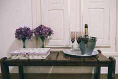 Detalhes da parte externa da caixa para noiva. Toda forrada com tecido. Peça um orçamento: ateliesonhodecaixa@gmail.com