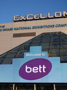 BETT 2018 • Salon international de l'éducation Tech Companies, Company Logo, Logos, Learning Spaces, Drawing Rooms, A Logo